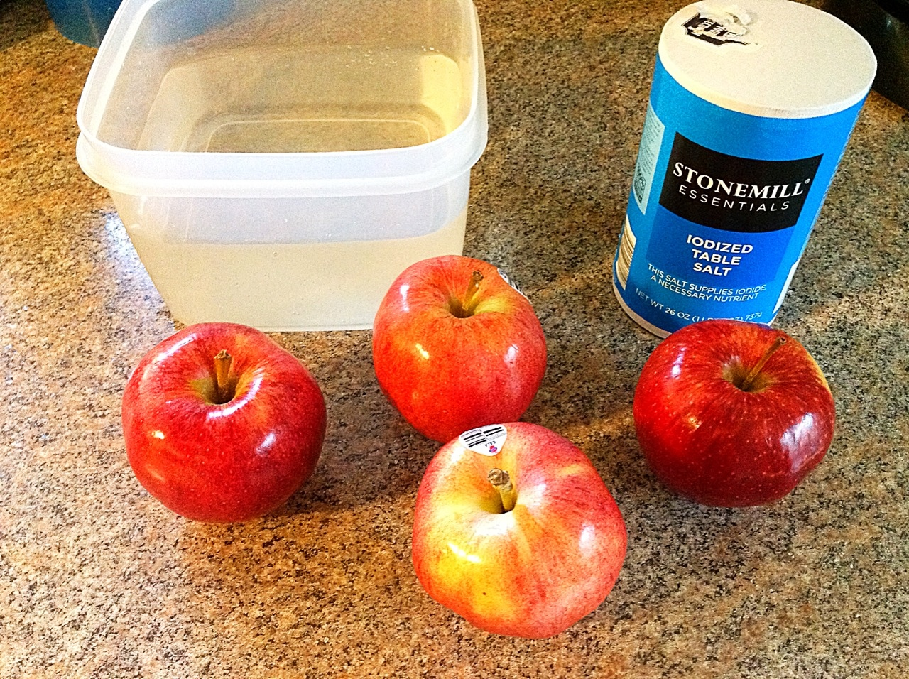Prevent Apples from Browning with a Quick Saltwater Soak
